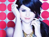 Selena Gomez Kiss & Tells