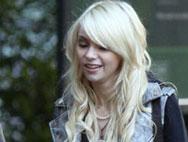 SPOTTED: Taylor Momsen on Gossip Girl Set