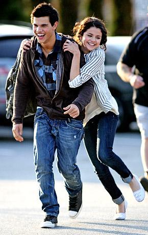Selena Gomez e Taylor Lautner - HOT!