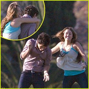 Miley Cyrus Hugs Nick Jonas, Sends It On